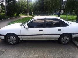 Дефлекторы окон Opel Vectra A sedan 1988-1995 (на скотче) AV-Tuning