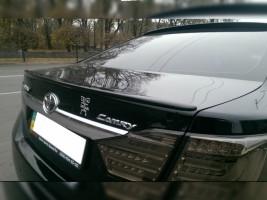 """Спойлер Toyota Camry XV50, XV55 2011-2017 """"Лип низкий"""" стеклопластик (под покраску)"""